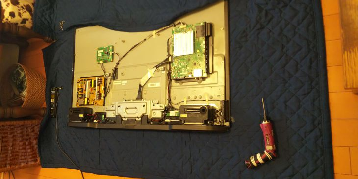 AQUOS 4T-C50AJ1 2020/8/30 新品液晶パネルに基盤等取付